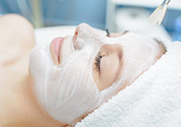 האם את מטפלת בעור שלך בהתאם לגיל שלו?